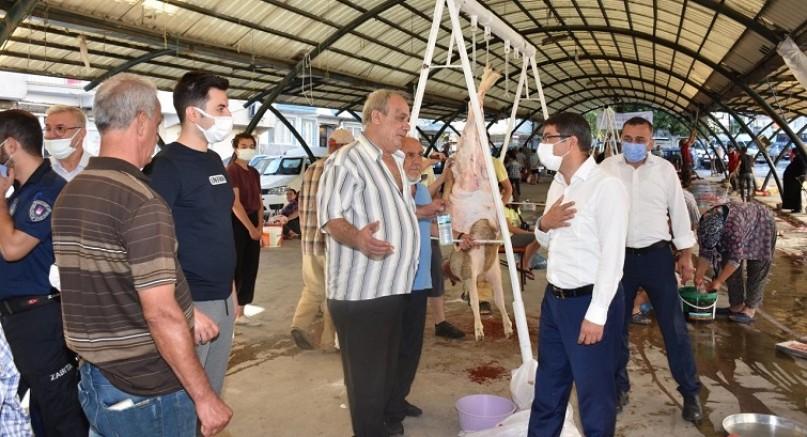 Başkan Çelik vatandaşlarla bayramlaştı