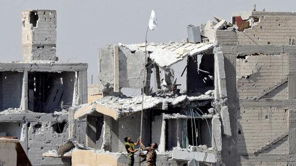Son dakika... Terör örgütü, başkenti Rakka'yı kaybetti