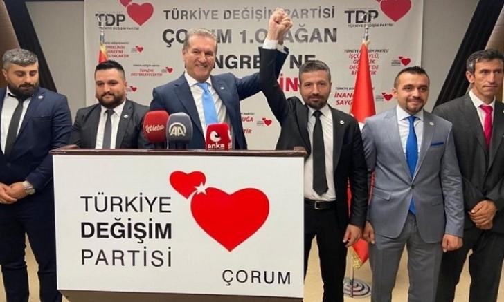 Türkiye Değişim Partisi Genel Başkanı Sayın Mustafa Sarıgül, 1.Olağan Çorum Kongresi'nde basın toplantısı düzenledi.